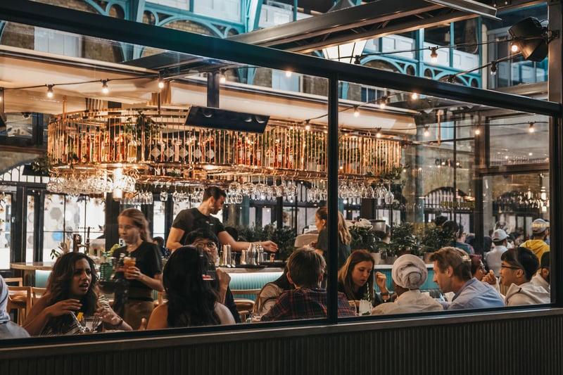 restaurant-overbooking
